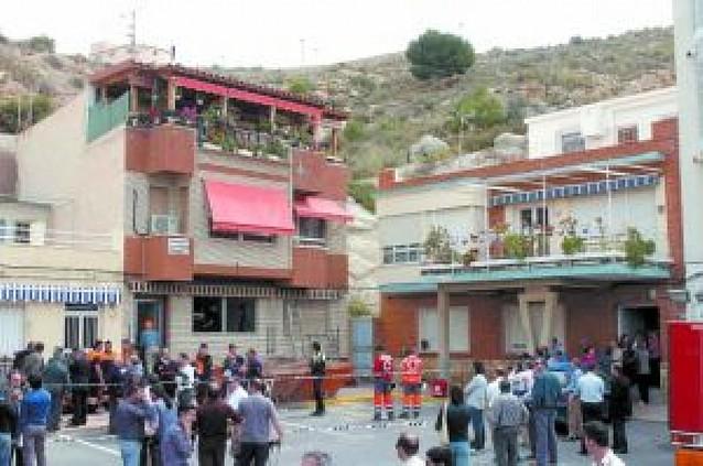Mueren dos albañiles al derrumbarse el interior de una casa-cueva en Murcia