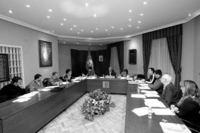 El alcalde de Huarte ofrece cargos al resto de los grupos