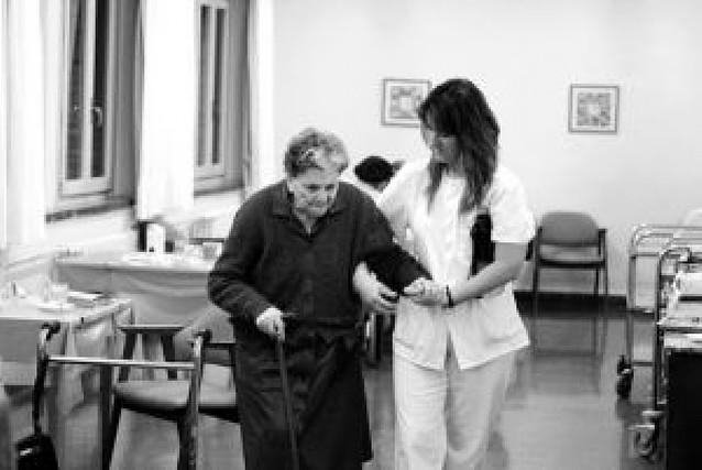 Navarra convierte 90 servicios sociales en derechos y mantiene otras 50 ayudas