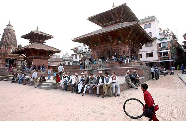Muere un manifestante por fuego policial durante unas protestas en Katmandú
