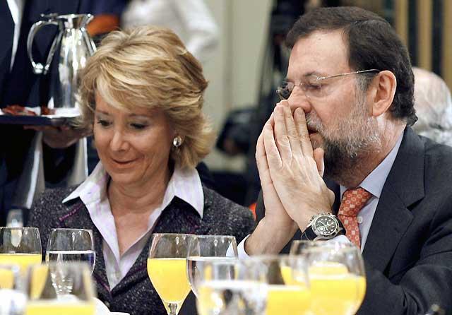 Rajoy dice que quiere seguir como líder del PP porque le avalan los resultados electorales
