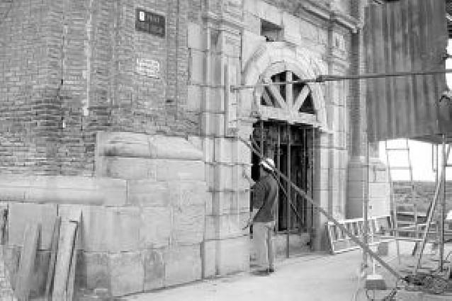 El asilo de San Adrián, en venta para financiar la iglesia
