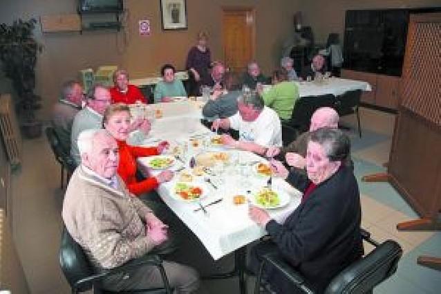 Cerca de 20 usuarios utilizan el nuevo comedor para personas mayores