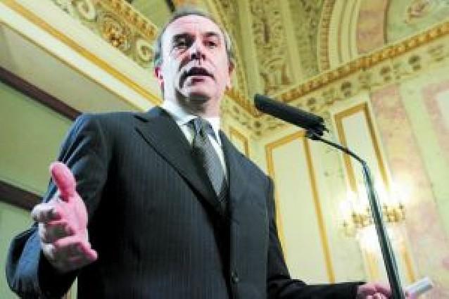 Alonso secunda el ofrecimiento de Zapatero al diálogo y el consenso