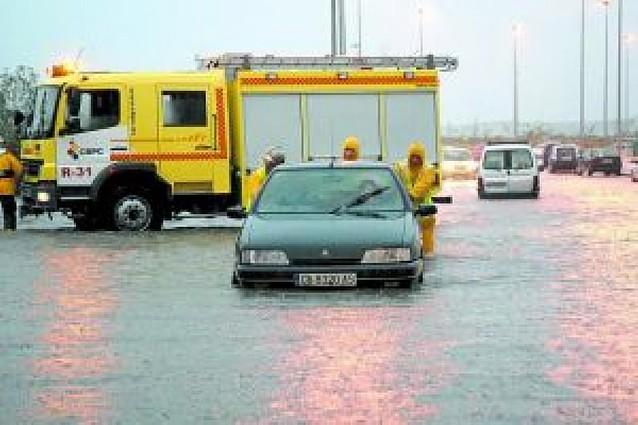 Las fuertes lluvias causan inundaciones en carreteras y ciudades andaluzas