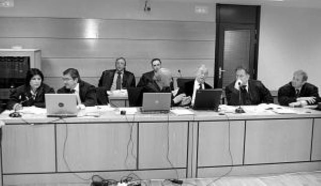 """Estafados por Fontaneda dicen que el banco era """"una garantía"""" para ellos"""