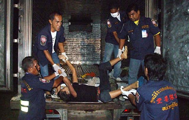 Mueren asfixiadas en Tailandia 54 personas que viajaban en el remolque de un camión