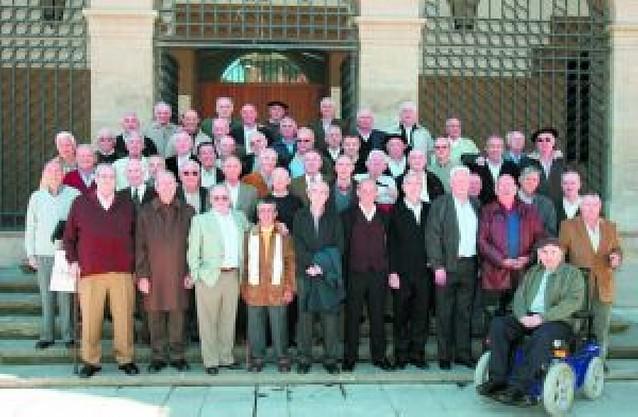 Los quintos de África de 1957 se reúnen en Pamplona