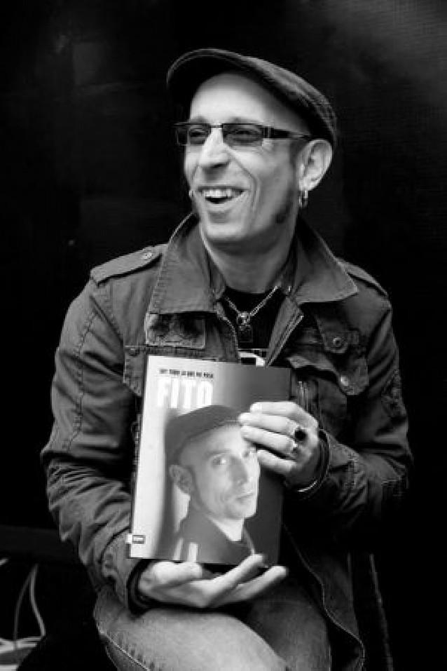"""Fito Cabrales destapa su autobiografía en el libro """"Soy todo lo que me pasa"""""""