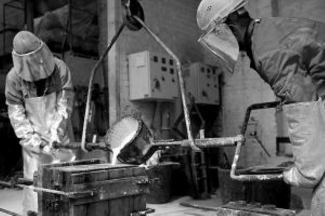UGT y CC OO rebajan sus demandas para el convenio del metal