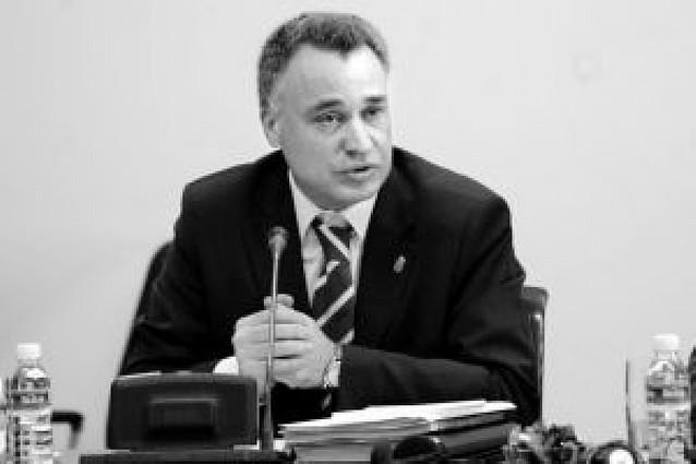 El Parlamento respalda la idea de eliminar el silencio administrativo en urbanismo