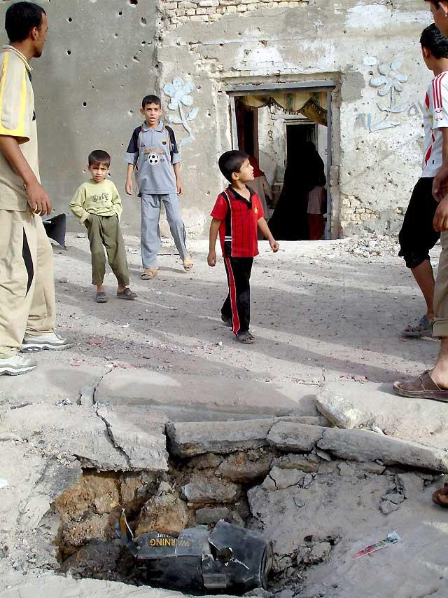 Al menos 12 milicianos mueren en bombardeos sobre Ciudad Sadr y Basora
