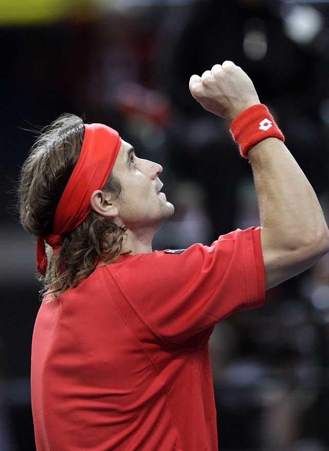 Ferrer remonta ante Kohlschreiber y acerca un poco más a España a las semifinales