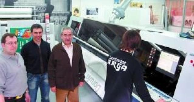 Luminosos Arga, 25 años anunciando el negocio ajeno