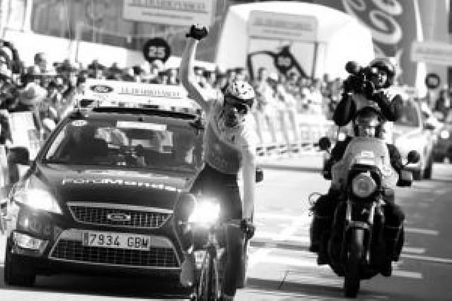 Contador vuelve a exhibirse