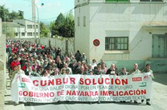 400 personas contra los despidos en Cunbur