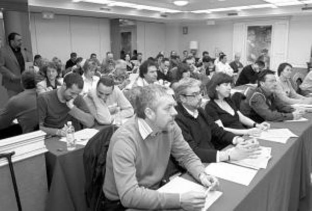 """IU apuesta por una """"contundente oposición"""" ante la actitud del PSN"""