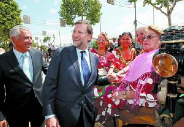 """Rajoy espera que el Gobierno se ocupe de una vez de """"los problemas reales"""""""