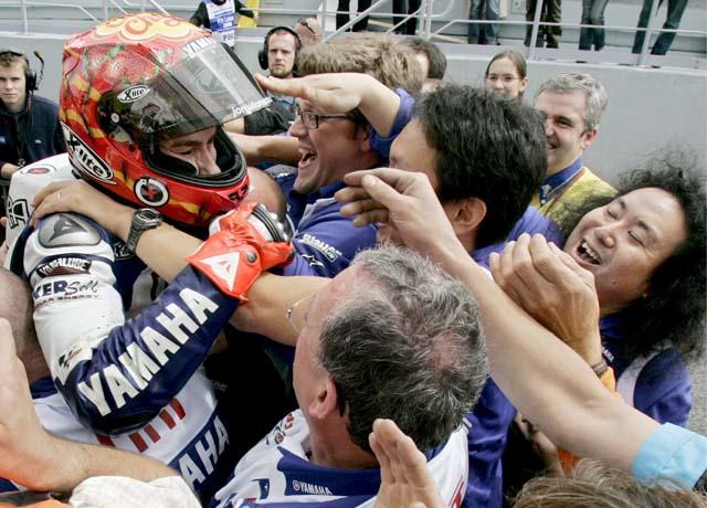 El italiano Simone Corsi evita el triplete español