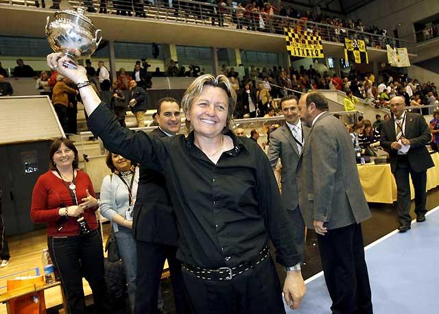 El Sagunt recupera el título de Copa tras vencer al Akaba Bera Bera (27-33)