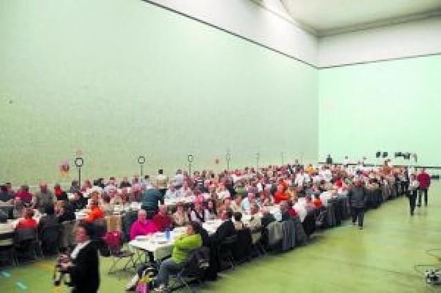 Decenas de personas acompañaron al Club Taurino de Tafalla en su 25º aniversario