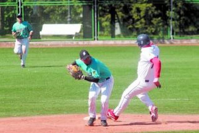 El Béisbol Navarra vuelve a derrotar a otro favorito