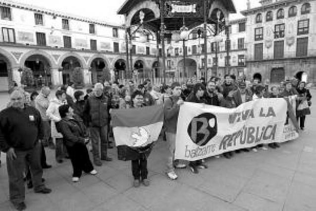 Localidades riberas conmemoran el Día de la República con distintos actos