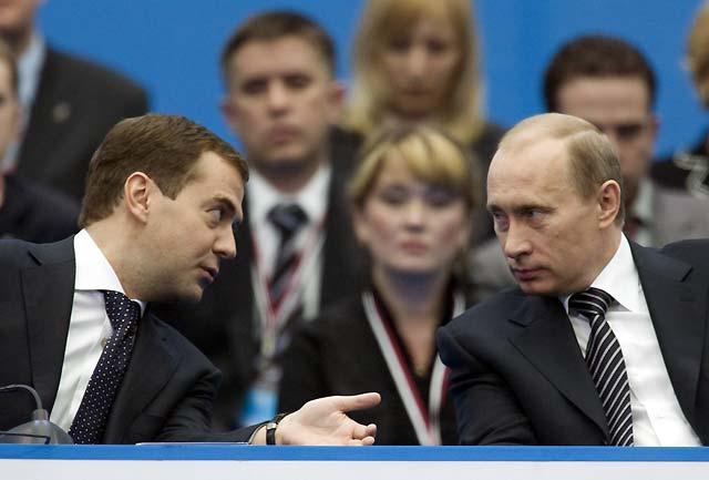 Vladímir Putin, elegido por unanimidad presidente del partido oficialista Rusia Unida