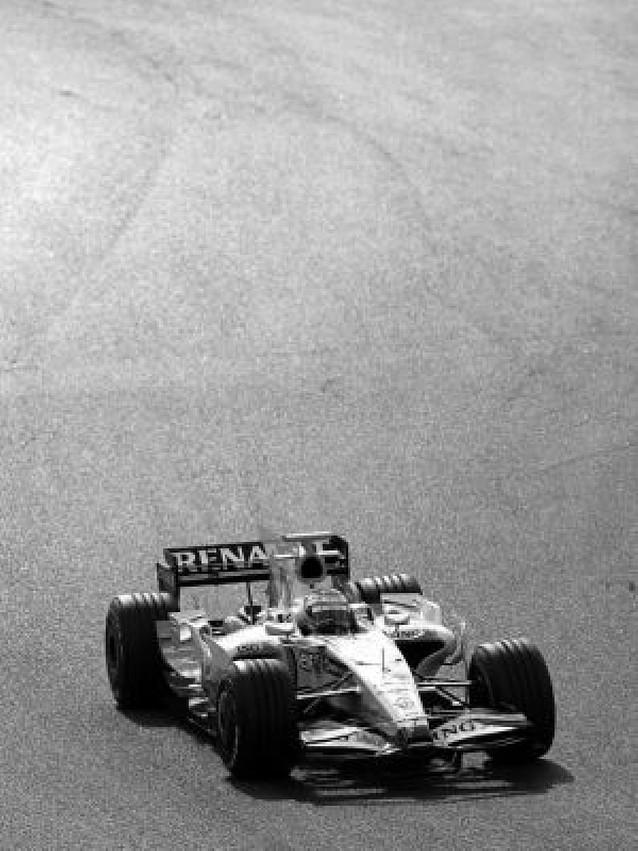 A Alonso le funciona el coche