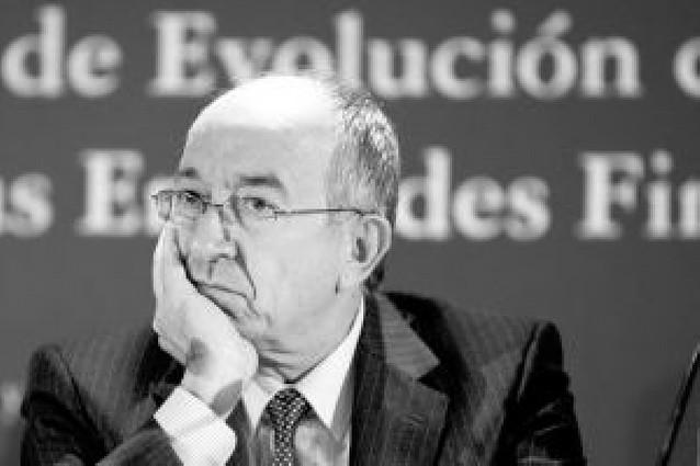 """Fernández Ordóñez: """"El sistema financiero español tiene solidez pero no es inmune"""""""