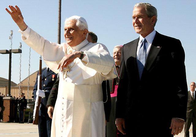 """El Papa insta a EEUU a seguir solucionando conflictos con """"el apoyo paciente de la diplomacia internacional"""""""