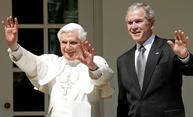 Calurosa acogida a Benedicto XVI en su llegada a Estados Unidos