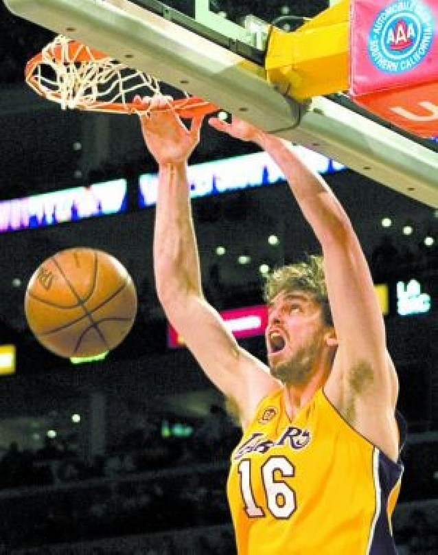 Gasol catapulta a los	Lakers