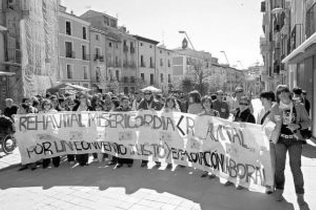 La plantilla de Rehavital en las dos residencias, de huelga indefinida