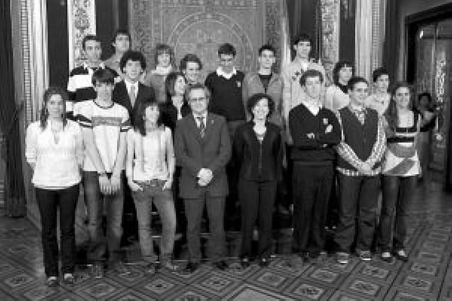 Educación premia los expedientes de 18 estudiantes de Bachillerato