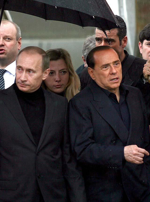 Putin y Berlusconi se reúnen en Cerdeña para hablar de temas comunes y de la UE