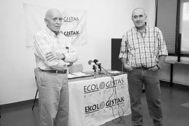 Denuncian una tercera antena ilegal de móviles en Tudela y critican que no retiren las otras dos
