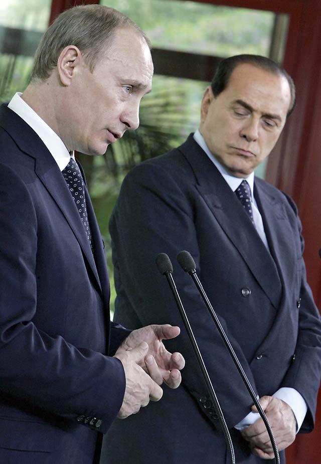 Berlusconi y Putin se muestran dispuestos a negociar sobre la venta de Alitalia a Aeroflot