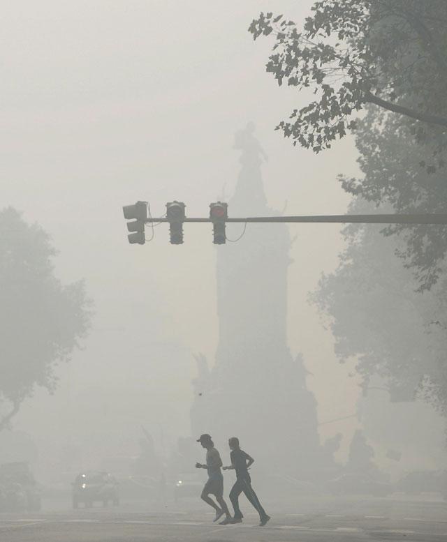 La nube de humo que hay sobre Buenos Aires podría permanecer varios días sobre la ciudad