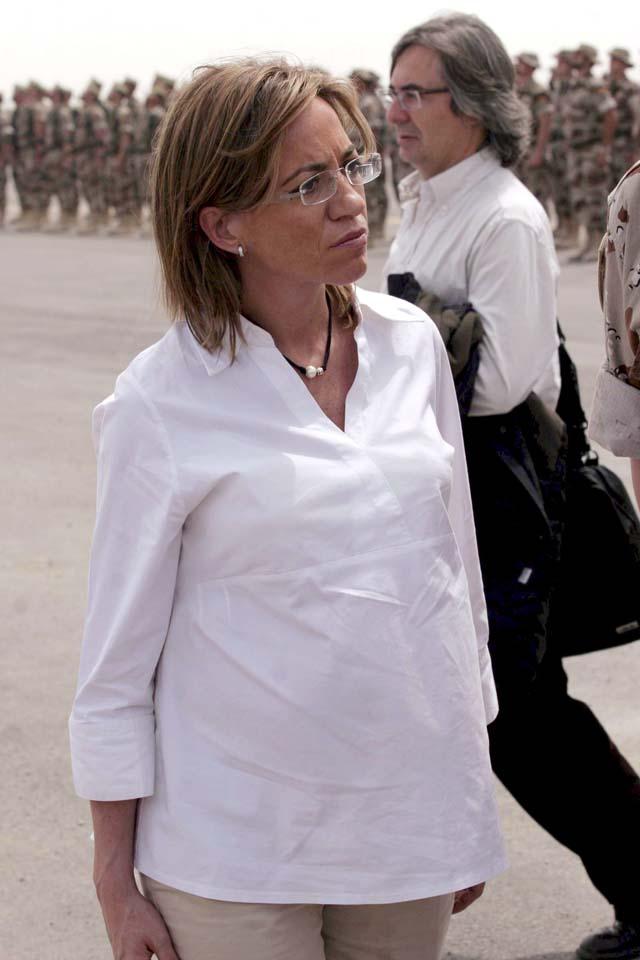 La ministra de Defensa viaja con un equipo médico debido a su embarazo