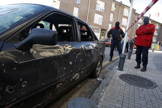 ETA vuelve a atentar contra los socialistas con una bomba en la sede del PSE de Elgoibar