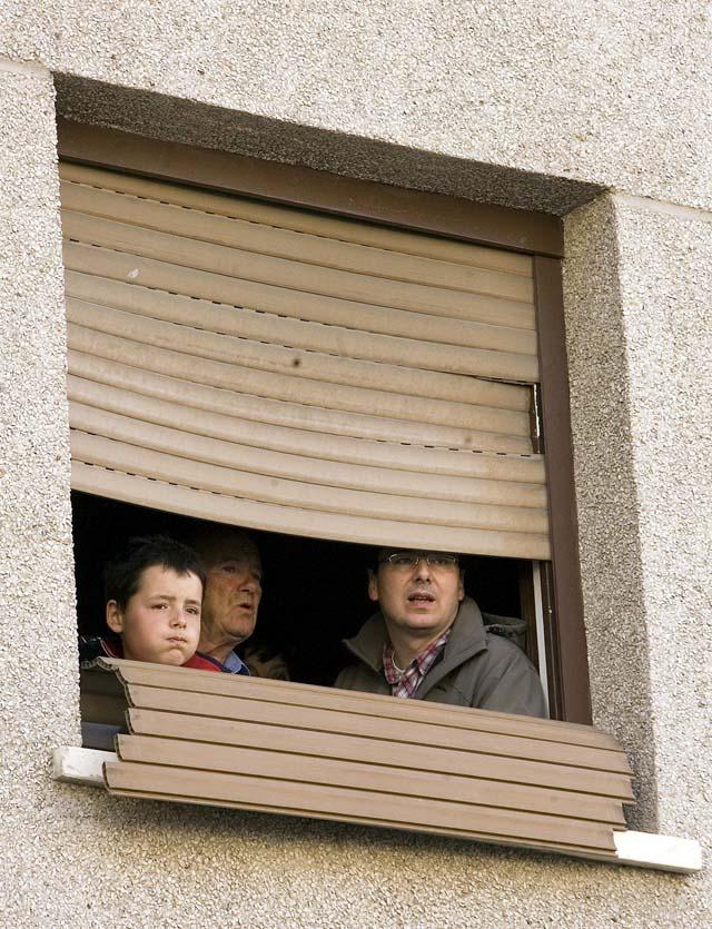 """Los vecinos afectados por la explosión aseguran que pasaron """"mucho miedo"""" e """"impotencia"""""""