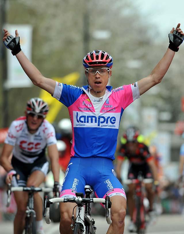 Cunego se impone en la 43ª edición de la Amstel Gold Race por delante de Schleck y Valverde