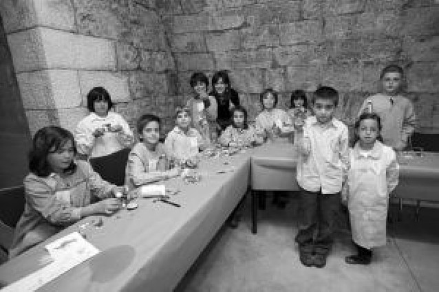 Un taller ilustra a los niños en el Museo Muñoz Sola