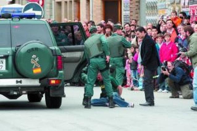 Fiesta policial en San Adrián