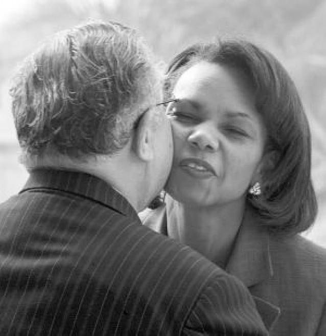 Condoleezza Rice viaja por sorpresa a Bagdad tras la amenaza de Al Sadr