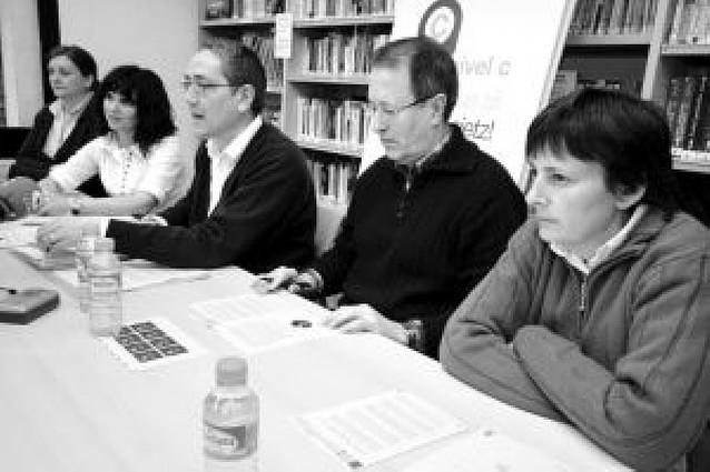 La Escuela de Idiomas pide seguir impartiendo el equivalente al nivel superior