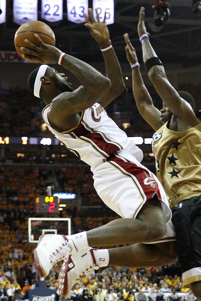 Los Cavaliers y los Jazz se ponen con ventaja de 2-0