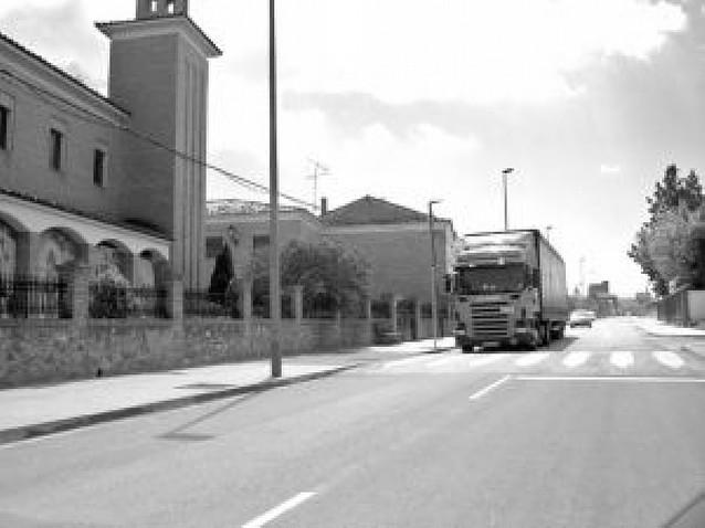 El ayuntamiento prohibirá el tránsito de vehículos pesados por el casco urbano