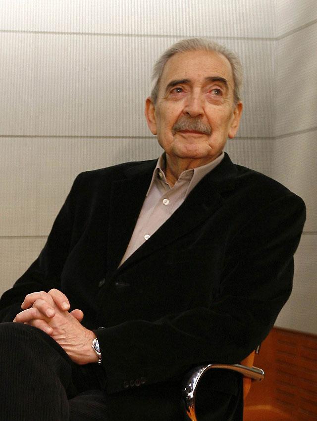 """Gelman reclama """"verdad y justicia"""" para cerrar la heridas """"que laten en el subsuelo de la sociedad"""""""
